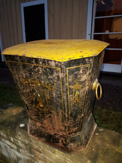 """Coal box.  More pictures on next page """"Bilder/Pictures""""!"""