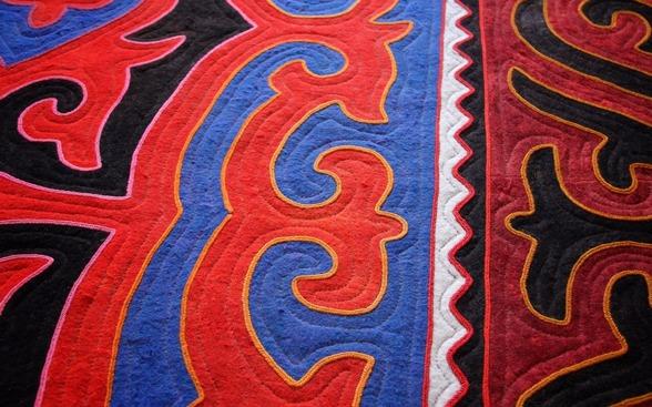 En av de fantastiska mattor som Kerstin tagit med sig hem efter en av sina många resor till Kirgizistan