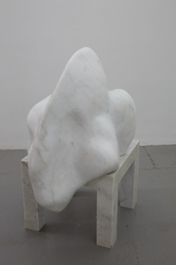 Corpus II. Vit marmor