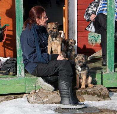 2015-03-05 Jag med Abbe i knä och Arwen och Quilla bredvid