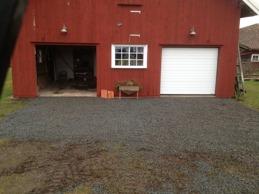 Grusat utanför garage.