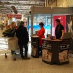 Butiksaktiviteter och försäljning av prenumerationer i 100 köpcentrum och 35 städer