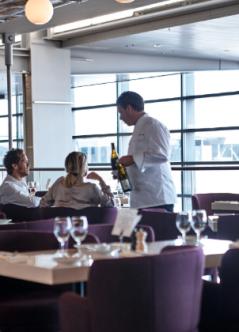 När jag hinner pratar jag gärna med gästerna på Brasserie, Pontus in the Air, på Arlanda terminal 5.