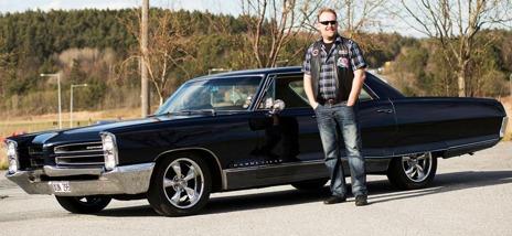 Ulf med hans Pontiac
