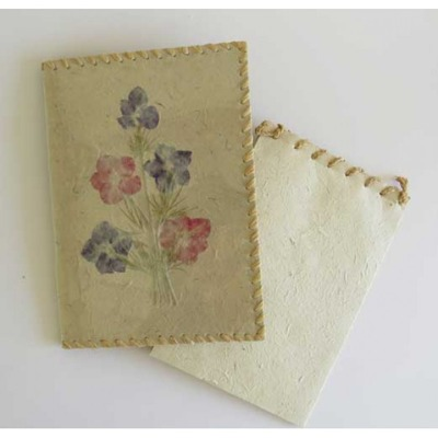 Handgjort papper/Handmade paper - Block-fodral/Notepad holder - Block-fodral med blomsterdekor/Notepad holder Flower