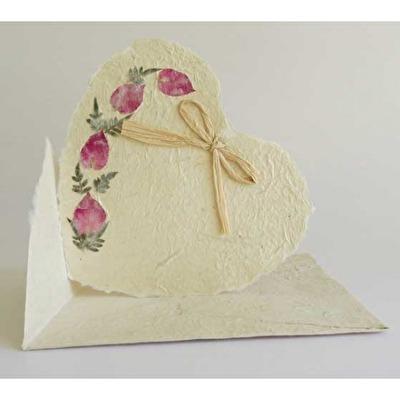 Handgjort papper/Handmade paper - Hjärtligt kort/Heart card - Hjärtligt kort/Heart card - 15x15 cm