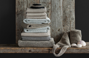 Linnen towels for bathroom or kitchen are especially popular.