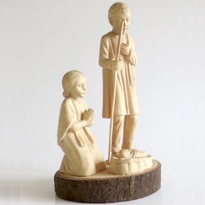 Julskulpturer - handsnidade (Utgående modell) - Jesus i krubban med Maria och Josef
