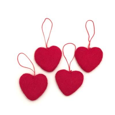 Julpynt i tovad ull - Hjärta - Röd