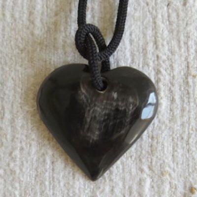 Halsband i horn - Hjärta