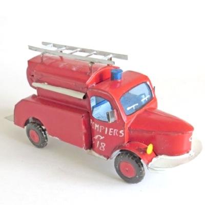 Modellfordon av metallskräp - Brandbil