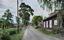 Bispbergsvägen, Bönhuset till höger.