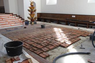 Nytt tegelgolv i Himmelsfärdskyrkan, Höganäs