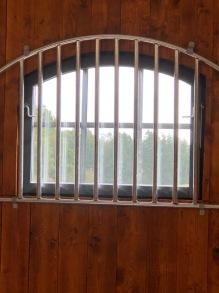Öppningsbart fönstergaller Valvat