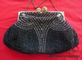 SE UPP!  En mycket vacker och elegant handbroderad aftonväska, 18 cm x 12 cm - Utförsäljning!  En svart vacker pärlväska.