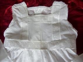 En antik ljuvligt söt barnklänning, Oanvänd! - En gullig antik barnklänning.