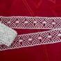 En handknypplad spets som är, 160 cm. - En fint handknypplade spets, 160 cm lång.