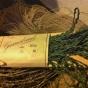 Sommarpris!  Ett äldre snyggt zick-zackband i grönt i orginalförpackning.