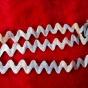 Ett vackert antikt zick-zackband med struktur, Nygammal!