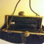 SE UPP!  En mycket vacker och elegant handbroderad aftonväska, 18 cm x 12 cm