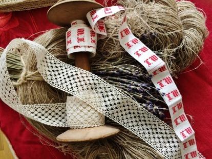 TITTA IN UNDER RUBRIKEN:  UTFÖRSÄLJNING.          Vi håller på att lägga ut textilier från vårt stora lager! Vandra runt på vår hemsida ofta för vi lägger ut nya erbjudanden varje dag!
