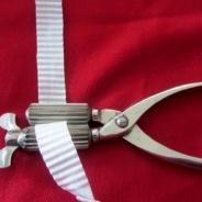 En örngottskrusare som används för krusa vackra örngottsband med.