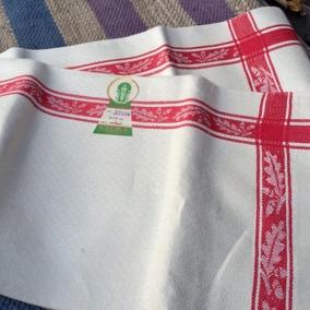 En härlig handduksräcka i vackraste hellinne och i Bästa Skick! - Sommarpris! En handduksräcka i rött och vitt . Sommarpris!