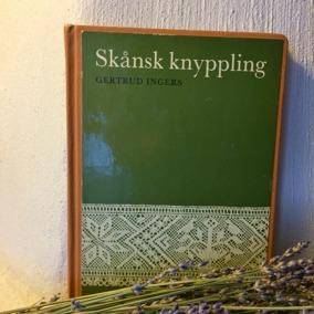 REA!  En bok om knyppling. Författare, Gertrud Ingers. - En bok om knyppling.