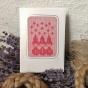 Ett vackert handvävt julkort med rara tomtenissar. Fraktfritt! - Fraktfritt. Ett julvackert handvävt kort i damastväv.