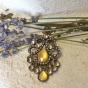 Ett halsband m.hänge m. stenar , strass och ett halsband 90 cm långt  - Ett vackert halsband i strass