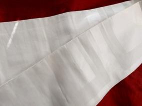 SE UPP PRIS! En servetträcka i linne, 310 cm långt. - SE UPP! Servetträcka, 310 cm lång.