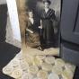 Antika pärlemorknappar på orginalkarta, 24 stycken. oanvända! - Antika pärlemorknappar 24 stycken.