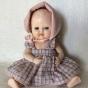 En söt Rosebudsdocka i orginalkläder och i absolut bästa skick!