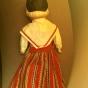 En söt docka i folkdräkt i allra finaste skick!