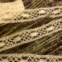 En ljuvligt vacker handknypplad spets, 4 m lång. Oanvänd! - Rea! En vacker skir handknypplad spets, 4 m.