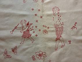 En mycket välbroderat p-handduk med fint motiv! Välbevarad! - En vacker p-handduk, antik.