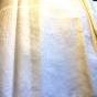 En vacker damastduk med vacker linneglans! 180 cm x 160 cm. Nyskick!