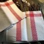 En härlig handduksräcka i bästa linnekvalité.