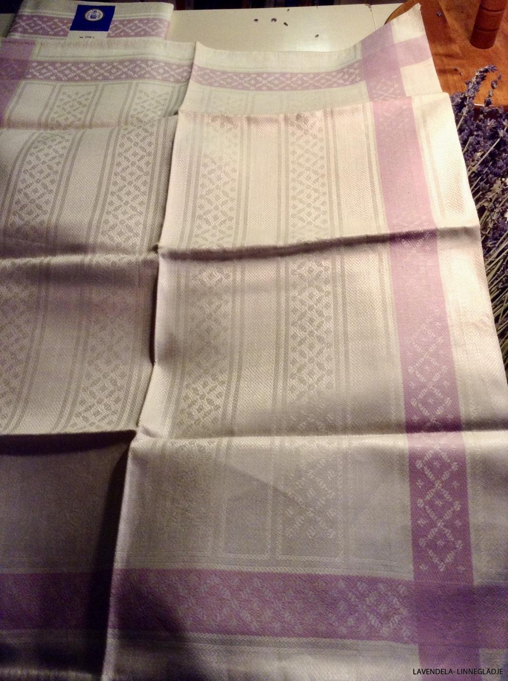 Fyra handdukar är klara.