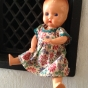 REA! En söt äldre Rosebud, 20 cm. Bästa Skick. Orginalklädsel.