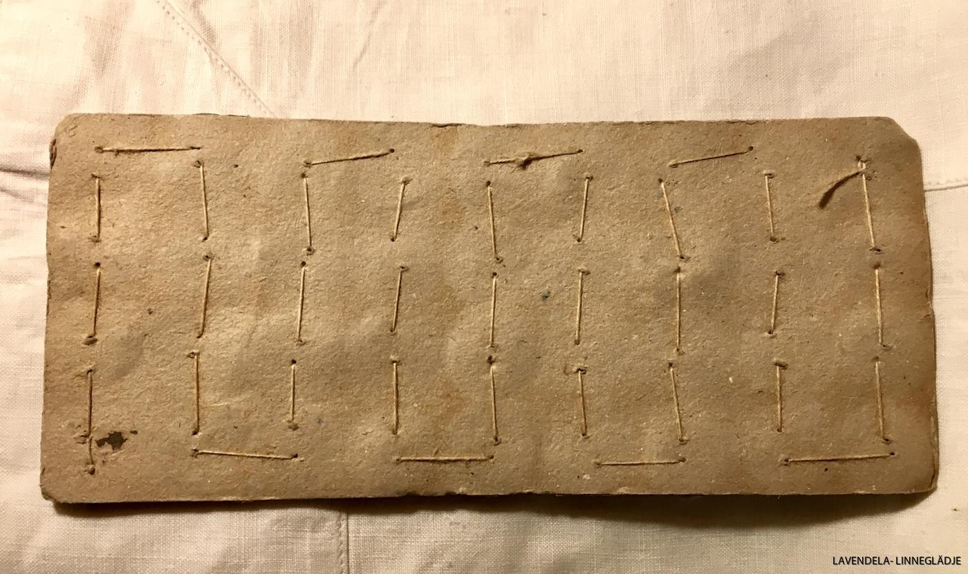 Baksidan av pappersarket.