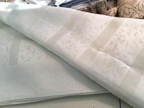 Utförsäljning! En mycket vacker damastduk. Design: Astrid Sampe.Damastduk, 170 x 150 cm. Välbevarat skick. - En mycket vacker, design Astrid Sampe.