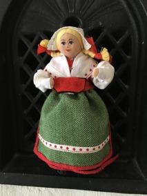 Utförsäljning! En söt Charlotte Weibull docka i bästa skick! - En fin äldre C. Weibulldocka.