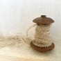 Antik, frivolité spets, en fint handgjord smal spets. Oanvänd! - Fin handgjord frivilitéspets.  1 meter