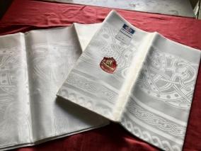 Vackrast av dem alla! Damastduken, Draken design: S. Sohlman. I perfekt skick! - Damastduken Draken den allra vackraste av alla damastdukar.