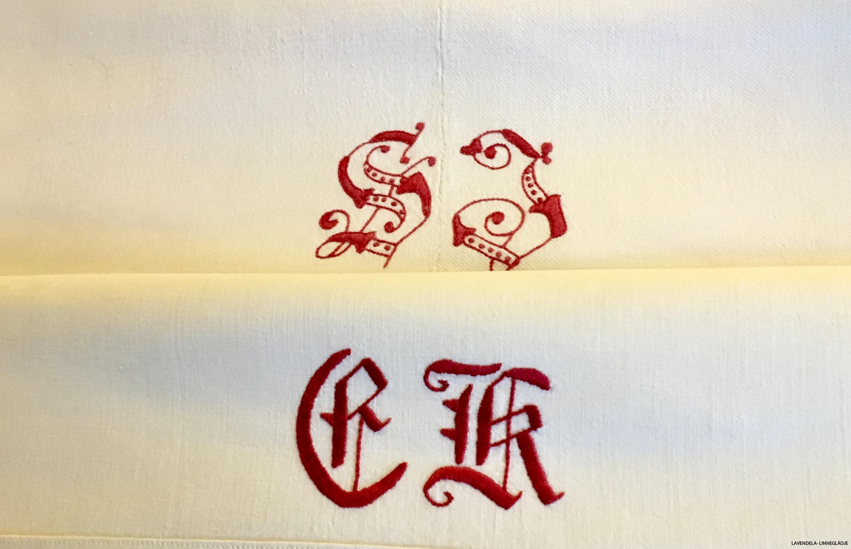 Vackra röda monogram