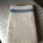 En snygg handduksräcka i hellinne, 420 cm lång. - En snygg handduksräcka i blått och vitt.