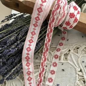 Tre äldre fina band i rött och vitt. Oanvända! - Tre fina bomullsband i rött och vitt