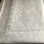 En vacker damastduk, 145 x 130 cm.