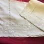 Sommar-Pris! Två vackert handbroderad prynadsfodral i linne. I fint skick!